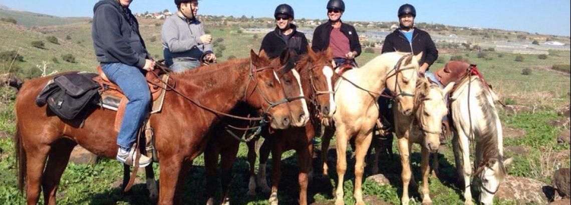 חוויות שטח- טיולי תומקרים / ריינגרים וטיולי סוסים לקבוצות