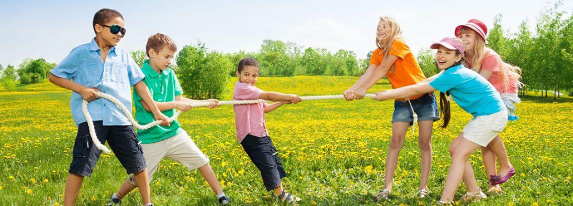 3 משחקי ילדות שכיף לשחק על הדשא